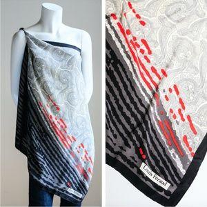 LOUIS FERAUD Paisley and Geometric Print Hand Roll
